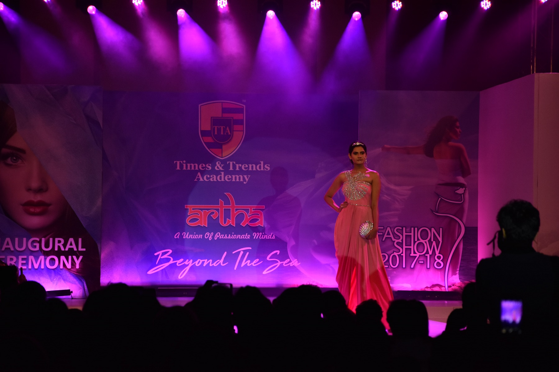 Times & Trends Academy Launches 5 Centers in Pune Along with the Dazzling Fashion Show – Artha