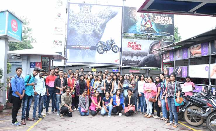 TTA Students Take an Off From Their Daily Schedule to Rush the Theatres